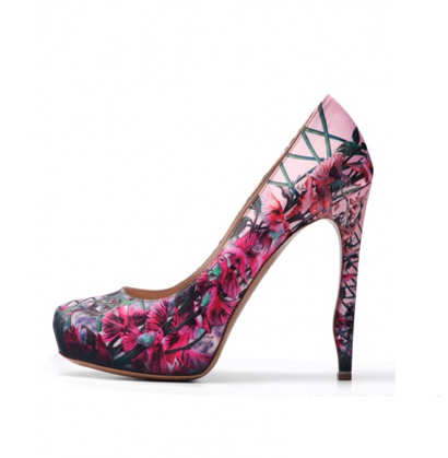 Shoes shoes. Nicholas Kirkwood shoe collection for Spring/ Summer 2012