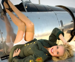 """Coach of the 'Miss Universe' contest, """"Stay always in shape in an airplane!"""""""