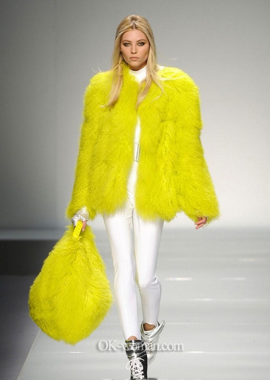 Yellow fur coat. Coat fur 2013 Fall – Winter  Fashion Trends