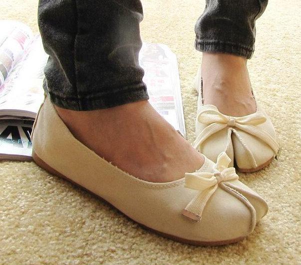 Shoes for Hallux Valgus. Comfortable Shoes