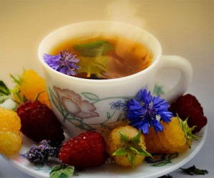 How to stay warm in winter. Herbal tea