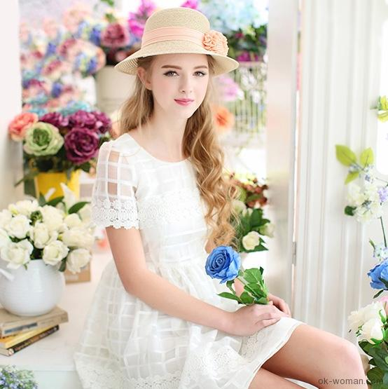 Beautiful girl with summer mood