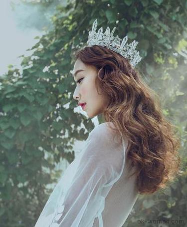 Queen in the woods